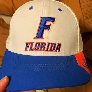 Florida Gators flexfit Nike hat. Barely worn!